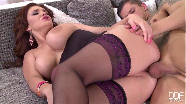 Porno com a Gostosa Emma Leigh HD